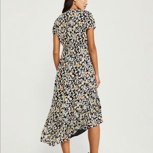 NWT Midi Dress w/ Ruffle
